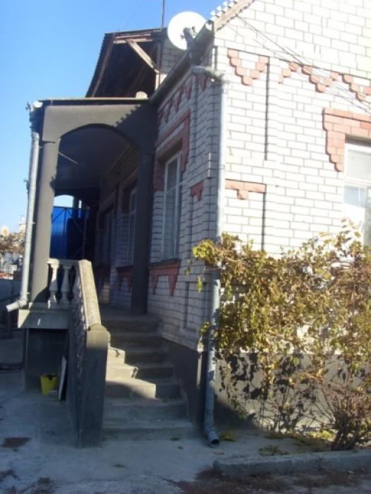 Продам или обменяю на кварт-ру (-ры) в Одессе добротный кирпичный 2-х эт. дом с  621486