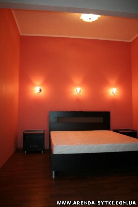 Сдается посуточно стильная двухкомнатная квартира в центре города. Новый еврорем 613461