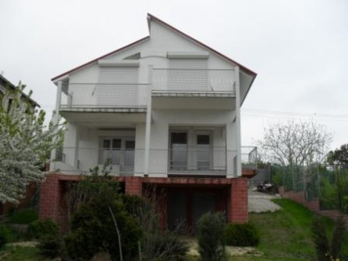 Дача в хорошем состоянии, вид с балконов на лиман, тераса,колодец, зеленые насаж 621516