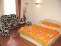 Просторна 2-комнатная квартира расположена в очень удобном месте города Житомир. 612766