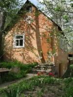 Дачный участок в р-не военкомата 7,5 соток, ухоженный, плодовые деревья. Домик к 63818