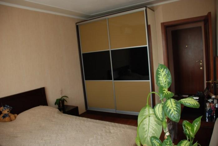 Описание:входная дверь:металическая;окна:стеклопакет, металопластик;стены:обои;п 613592