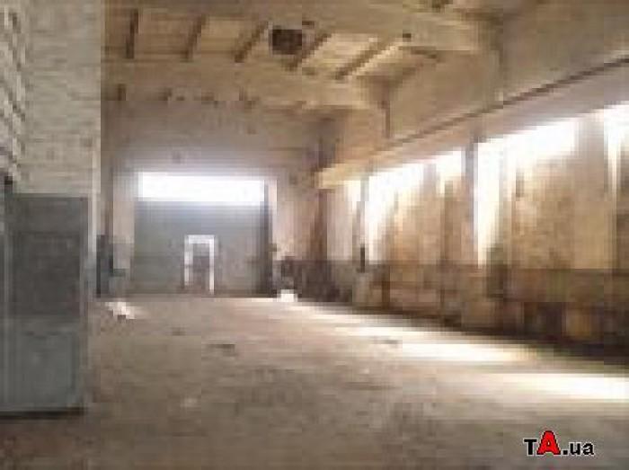 Сдам в аренду имущественный комплекс  1000 м2 под склад, производство