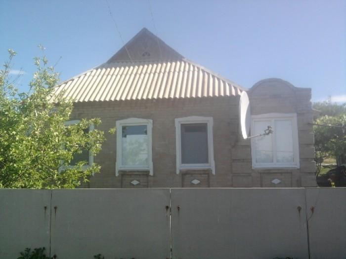 Продам кирпичный ухоженный дом в г. Комсомольское Донецкой области. Пластиковые  621590