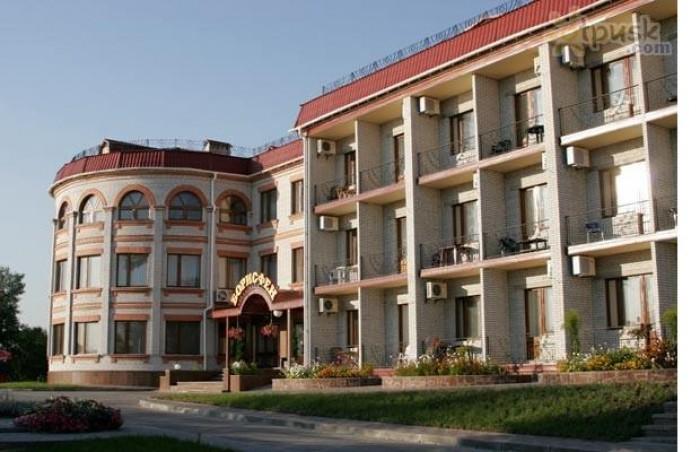 Продается недвижимость в Киеве (Гостиница на Днепре)Адрес: Украина, Киев, напрот 641474