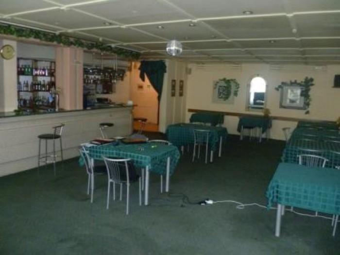 Продается действующее кафе, 2 уровня, большой банкетный зал, наличие спец. обору 641478