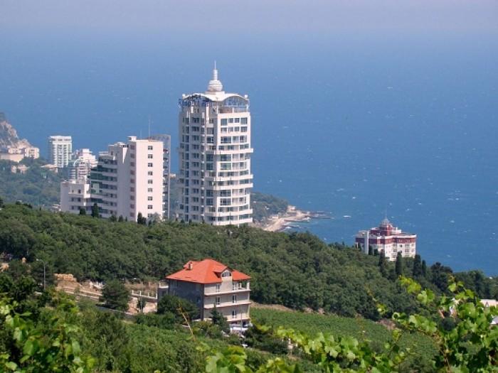Участок в Кореизе, 10 сот., видовой, возле канатной дороги, до моря 800 м., комм 63888