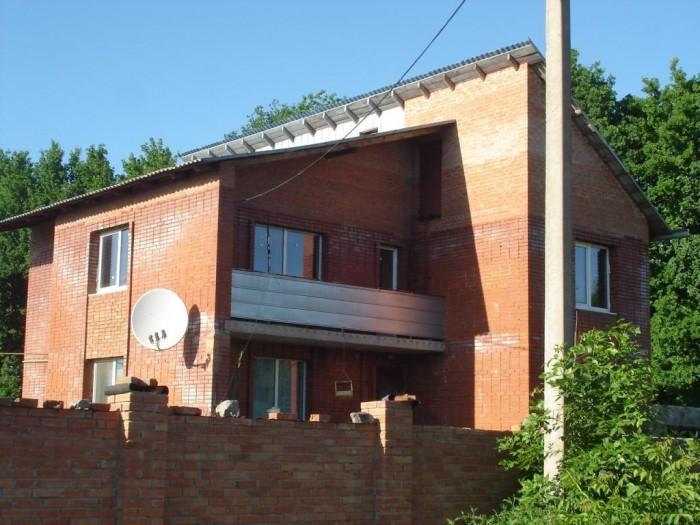 Продается дом для семьи и отдыха! Дом находится в очень живописном месте - дубов 621646