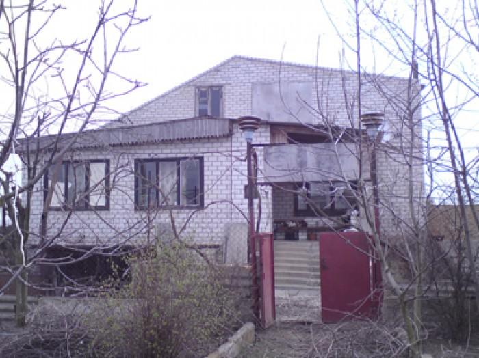 Дом 2-этажный каменный, в  пгт. Лазурное Скадовского района Херсонской обл., сто 621692