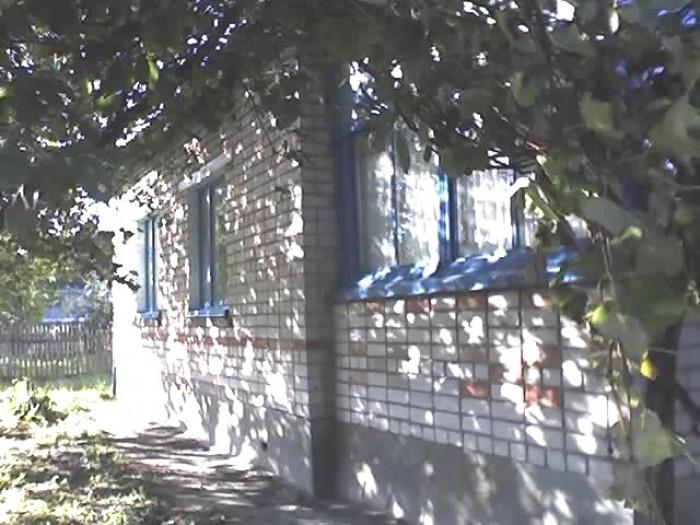 Продам капитальный  дом 125 км. от Киева ( 1990 года  постройки ) .( Житомир. об 621717