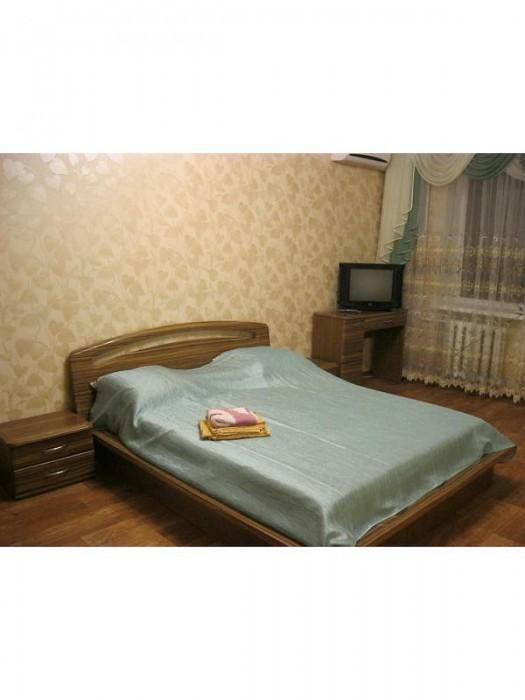Квартира в центре (пр-т Ленина / ул. Дзержинского), евроремонт, встроенная кухня 614033