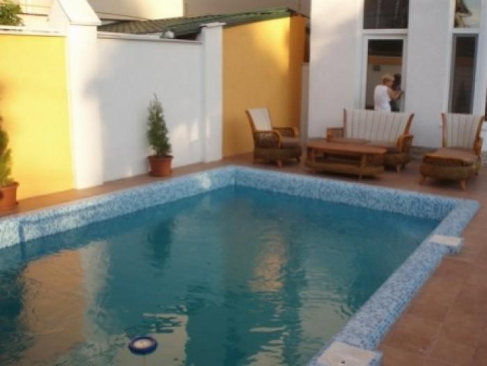 Продам Красивый стильный дом  расположенного на 4,40 сотках земли ,4 уровня общ. 621804