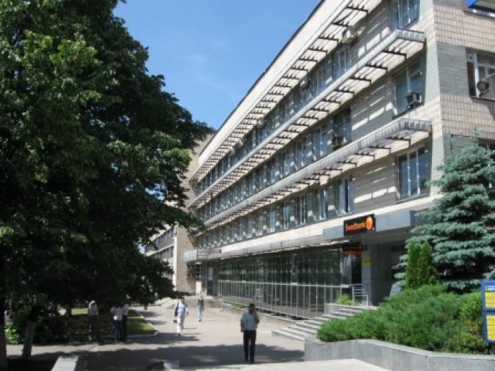 Предлагаем в аренду свои помещения под офис! Улица Новгородская, 11 - перекресто 641664