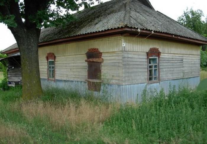 Щорский р.н, с.Кучиновка, 60 соток(гос акты на руках), дом 50 м.кв, печь, груба, 621825