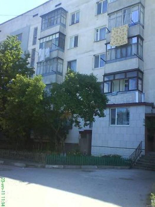 Срочно продам свою  3-х комнатную квартиру в Симферополе(ул.Пахотная), чешка,  п 614268