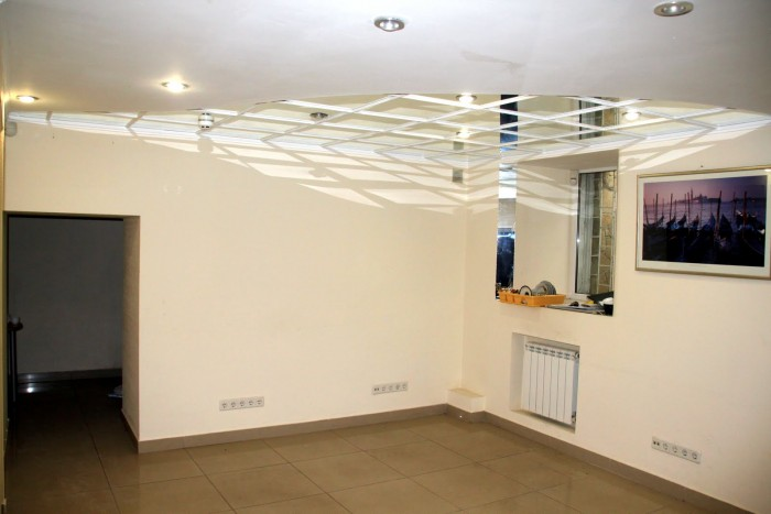 Офис 5 комн., 106 кв. м., 1/5 эт., в отличном состоянии; 3 телефонные линии; инт 641682