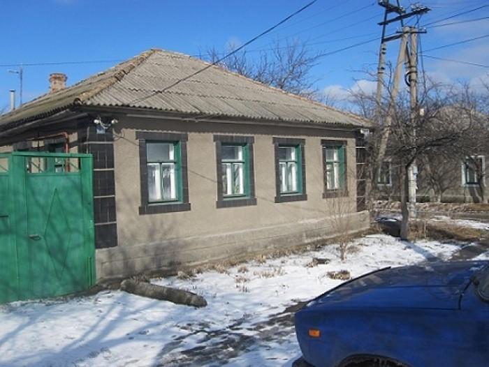 Продается угловой дом, практически в центре Луганска (Малая Вергунка). Тихий, ую 621846