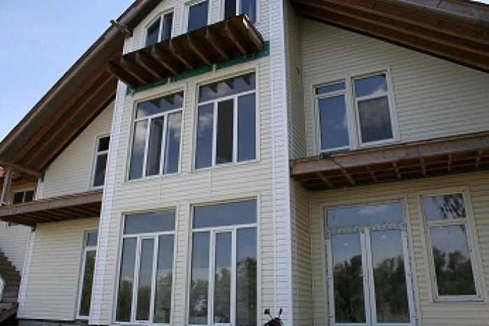 Дом на берегу Днепра в очень красивом месте,восхитительная природа...Можно рассм 621863