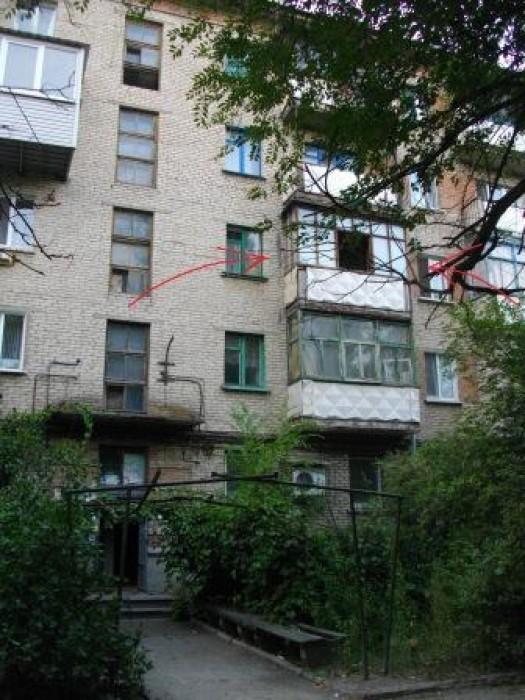 Квартира в хорошем состоянии. Окна выходят как во двор так и на улицу.Балкон зас 614523