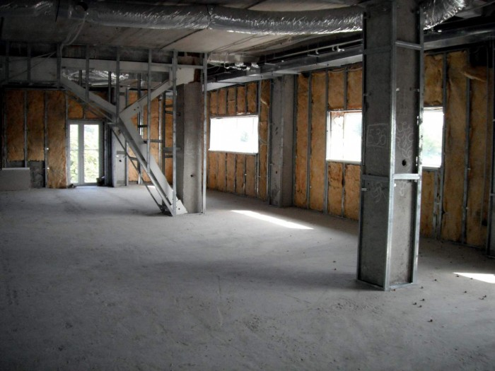 Второй этаж торгового центра в Хорт. районе по ул. Запорожского Казачества, прям 641792