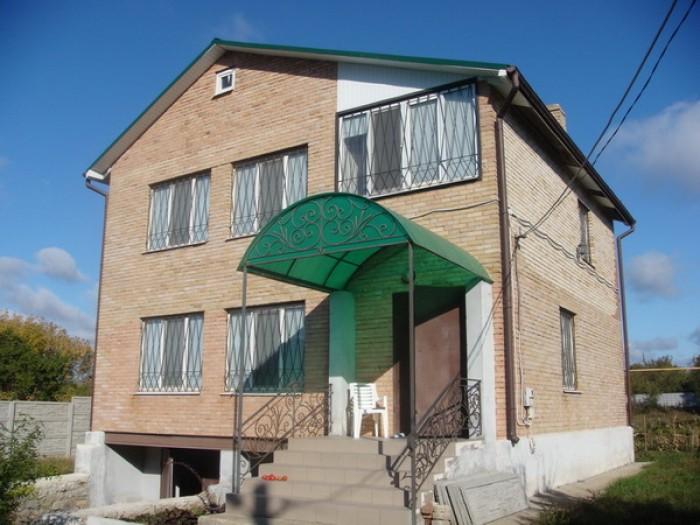 Жилой дом с евроремонтом в двух уровнях, гараж под домом, канализация, водопрово 622055