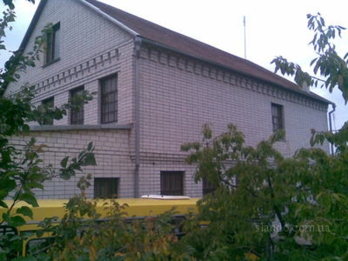 Дом в с.Александровка.200кв.м Дом находится в черте города, маршрутка 153 и 214. 622063