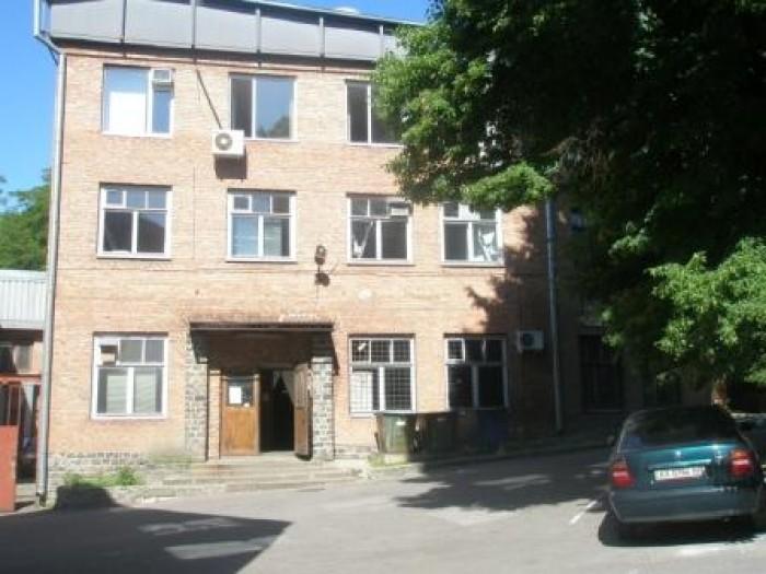 Предлагаем к продаже помещение на ул. Дарвина 20, 1-й этажОписание: З-х этажное  641933