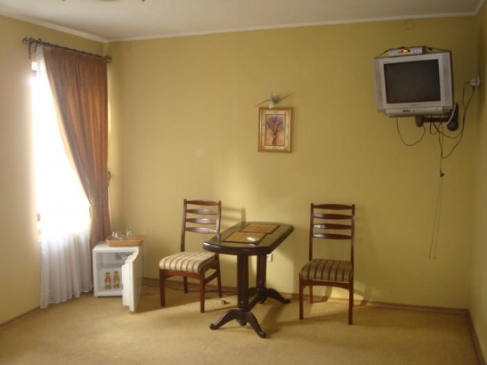 Продается гостинично-ресторанный комплекс. Отдельно стоящее 2-х этажное здание,  641945