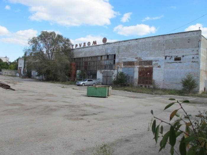 В городе Феодосия сдаются в  долгосрочную Аренду различные фасадные помещения по 641955