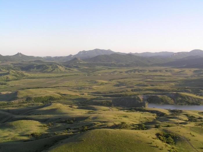 Предлагаю видовые участки по 5-10 соток, Коктебель. До моря - 3 км. Дачный посел 631156