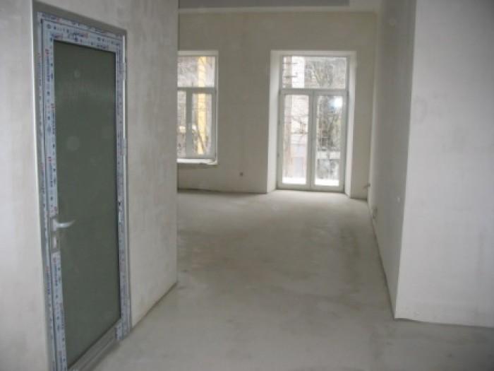 Ком. недвижимость, общая площадь 84 м2, назначение - Офис , Центральный р-н, Ник 642077