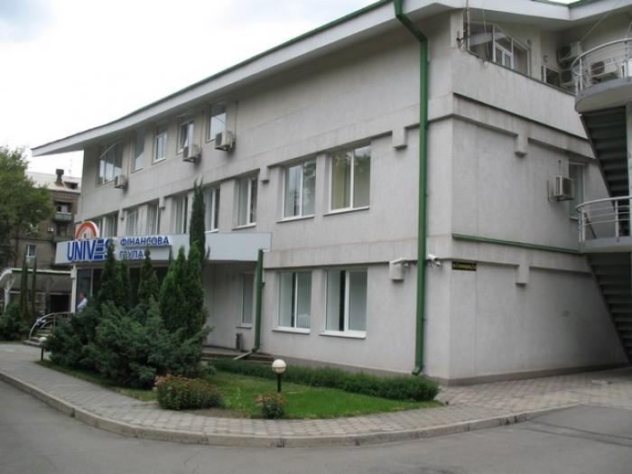 Сдаются в аренду офисные помещения площадью 90кв.м, 40кв.м, 42кв.м, по адресу: г 642105
