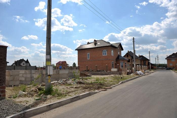 Киев, р-н Оболонь, выезд на Выжгород , кооператив Чернобылец участок -10 соток,  631189