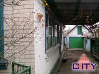 2/3 будинку, стіни цегла, в жилому стані, центральне водопостачання, газифікован 621994
