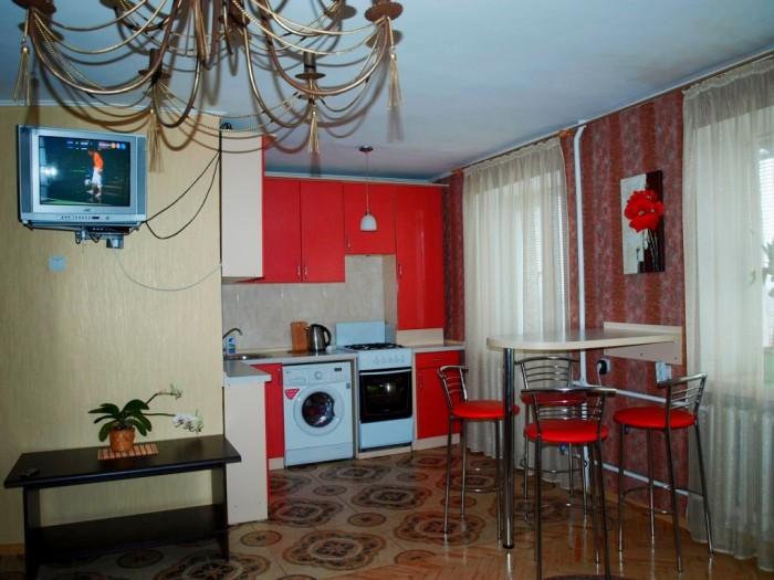 Посуточно 2-х комнатная квартира в центре, Аллея Героев. Интернет (Wi-Fi), холод 615448