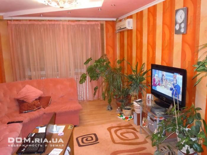 3-х комнатная квартира, автономное отопление,лоджия и балкон застеклены и отапли 615478