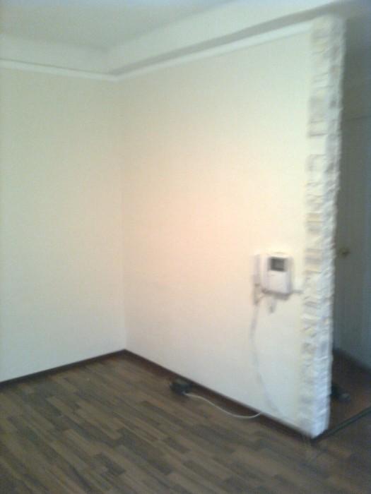 Офис находится на 1ом этаже пятиэтажного дома, 2 минуты  от ст. метро Дружбы Нар 615500