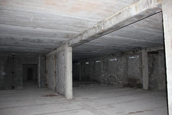 Недостроенное помещение 1750м. Большой двор. Прекрасное территориальное располож 642290