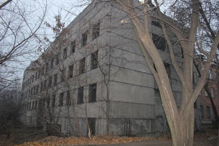 Недостроенное помещение 3500м. Прекрасное территориальное расположение в парково 642291