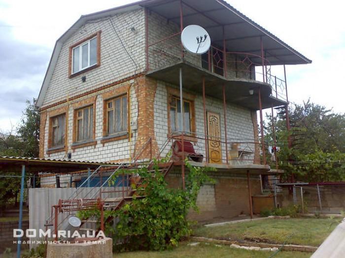 Дом СТ Пруды с участком , общ. площ 11.6 соток. Дом имеет 3 этажа, 2 из которых  622460