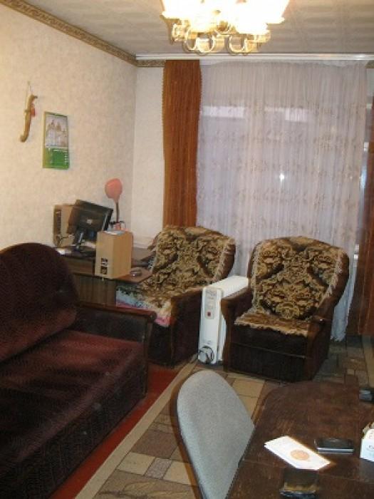 Продается 1-комнатная квартира на 6 этаже 9-этажного дома. Напротив дома находит 615654
