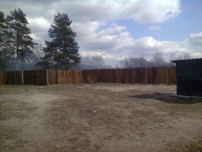 Продам участок ровный 12 соток. На участке ветхий дом, деревянный забор. Участок 631248