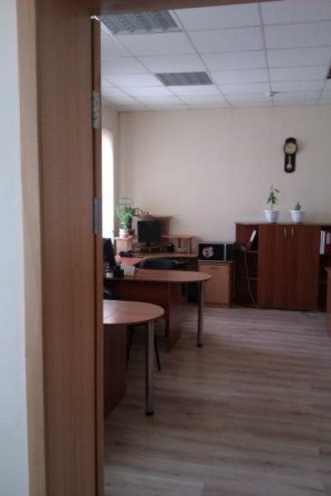 Продам помещения производственного назначения общей площадью 4000.0 с гос. Актом 642324