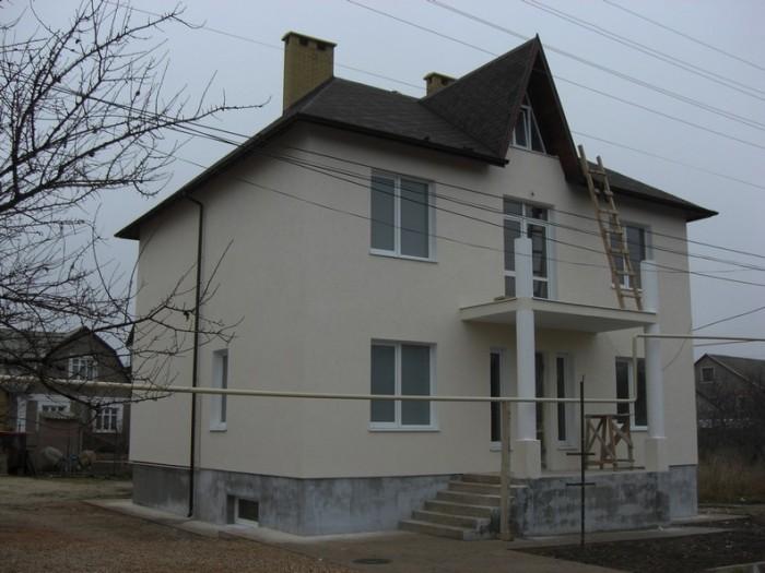 Размеры дома 10,3011м, балкон 8 м, крыльцо 8м, цокольный эт.-45м, 1,2эт-180м, ма 622478