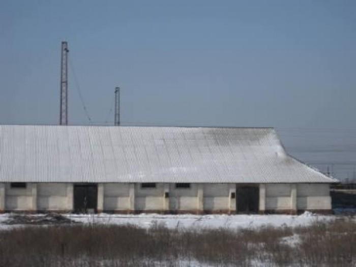 Сдается в аренду целостный имущественный комплекс в пгт. Еленовка, для целей ком 642387