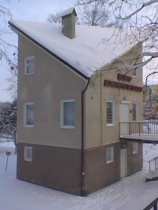 3-эт.компактное отдельное здание на центральной улице курорта, 2санузла,все комм 642392