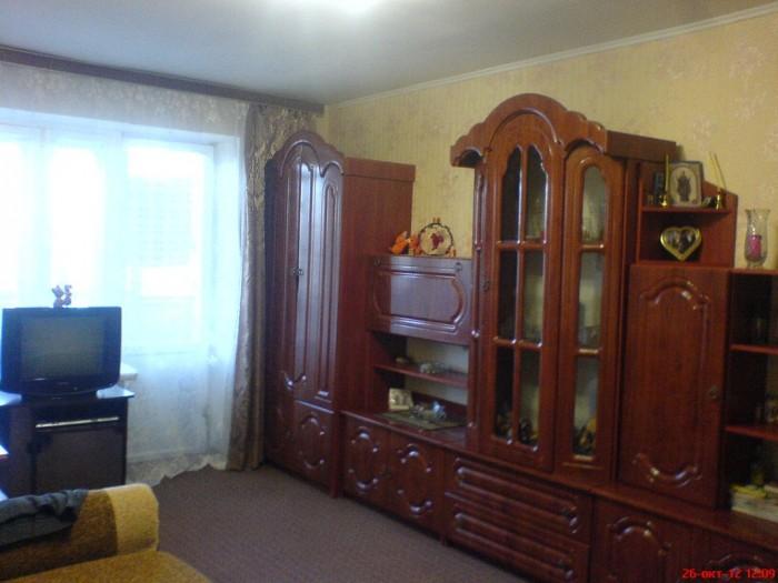 В Ирпене 1-но комнатная квартира 31 кв.м., комната – 18,1 кв.м., кухня – 6 кв.м. 615914