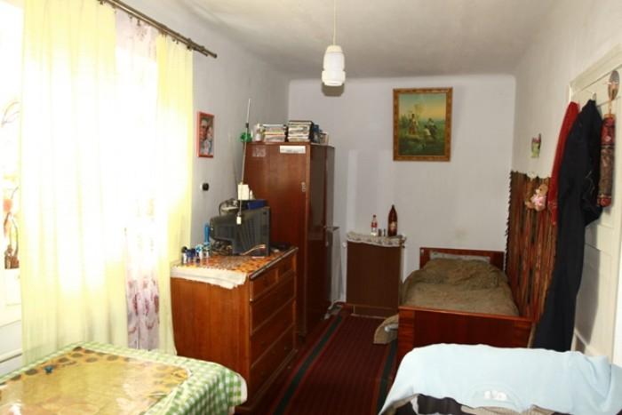 Двухкомнатная квартира в котедже. Высокие потолки, две комнаты 18 и 14 м. кв. Мо 615987