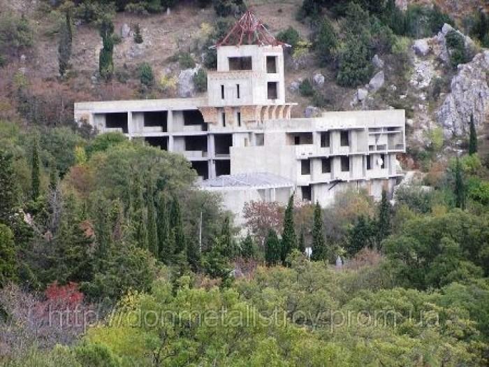Продам оздоровительный комплекс (недострой) в Крыму.Общая площадь 4000 кв.м.Учас 642434