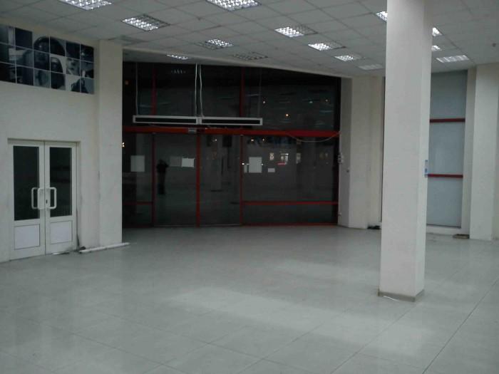 Продаётся действующий торговый комплекс в ДнепропетровскеЭтажность – 2 этажа.Общ 642451